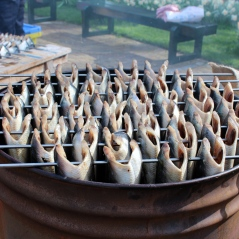 Smoked fish fumes matched smoked fish taste.