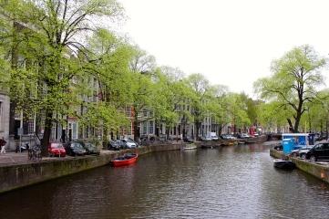 A quiet day in the Amsterdam waterways.